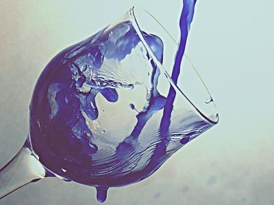 Вода в одном из 3-х ее состояний | Бокал