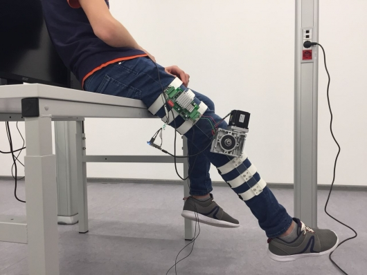 Реабилитационный тренажер для коленного сустава