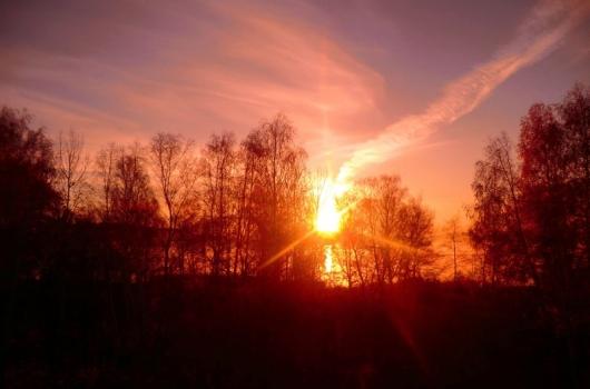 Прикосновение к природе   Алый след заката