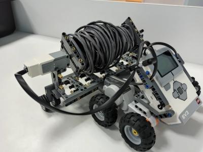 Робот-помощник-Повелитель кабеля